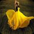 黄色的连衣裙